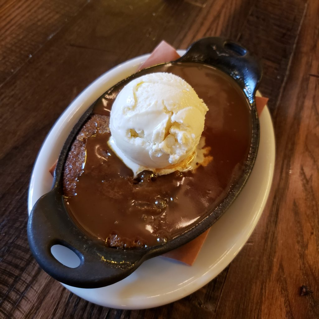 Toffee pudding with ice cream